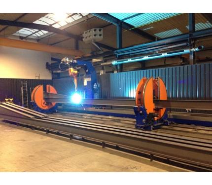 Фото Роботизированный комплекс сварки балок